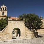 Iglesia de la Inmaculada Concepcion, estilo gotico, s.XIV.Su torre es posterior en estilo barroco. Pueblo de CELLA.Teruel. España