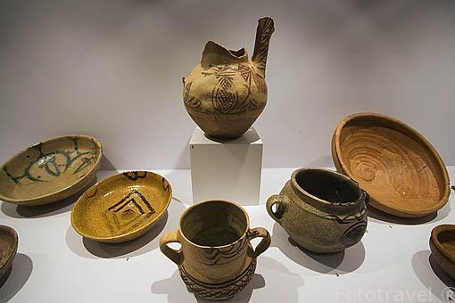 Piezas de ceramica encontradas en el castillo y alrededores. Museo de Albarracin. ALBARRACIN. Teruel . España
