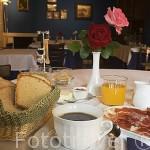 Desayuno en el comedor. Hotel rural Casa Valero. JARQUE DE LA VAL. Teruel. España