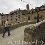Puente de Barrionuevo sobre el rio Riguel. Pueblo de UNCASTILLO. Zaragoza. Aragon. España