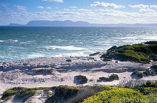 La costa en la Reserva de naturaleza de Wolfgat. Cerca de la ciudad de CIUDAD EL CABO. Surafrica