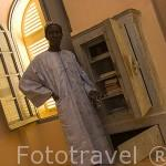 Ibrahim Sy es el guardian de la caja fuerte abandonada por los franceses en 1958. Fortaleza de PODOR. Patrimnonio de la Unesco. Senegal