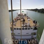 Barco Bou El Mogdad. Desde Noviembre 2005 navega como barco turistico por el rio Senegal. Senegal