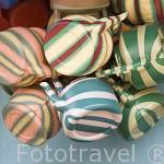 Detalle de teteras de plastico a la venta en las calles de DAGANA, poblacion situada junto al rio Senegal. Senegal