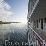 Vista del rio Senegal desde el barco de hierro Bou El Mogdad. Norte de Senegal