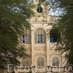 La antigua casa colonial del gobernador (El baron) Roger. Epoca colonial francesa. Población de RICHARD TOLL. Junto al rio Senegal. Norte de Senegal