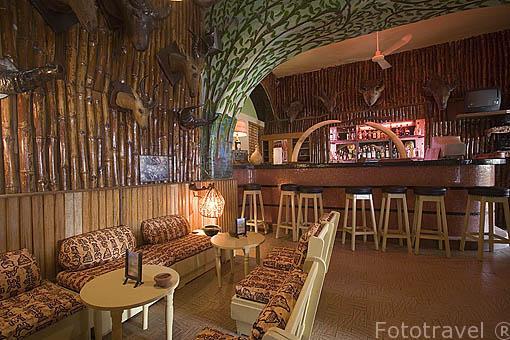 Interior. Hotel de la Poste. Ciudad de SAINT LOUIS. Norte de Senegal