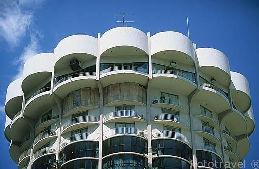 Moderno Edificio Con Terrazas Fototravelfototravel