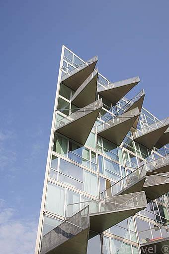 Fachada Y Terrazas Edificio Moderno Fototravelfototravel